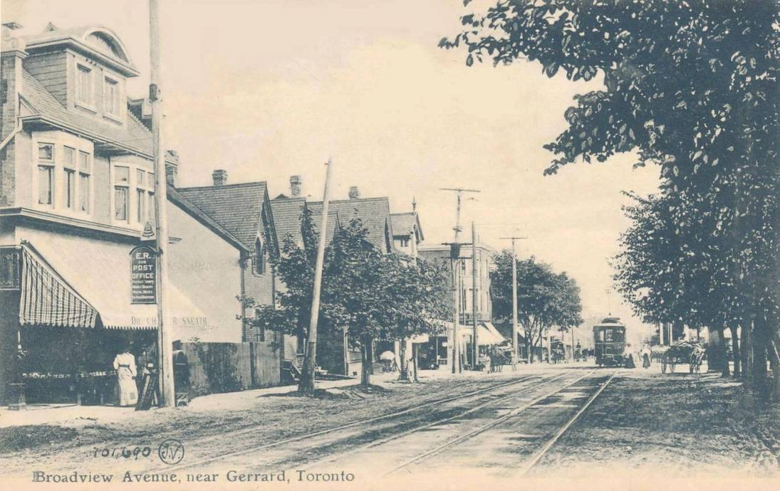 postcard-toronto-broadview-near-gerrard-streetcar-wagons-doctors-office-on-left-post-office-1907